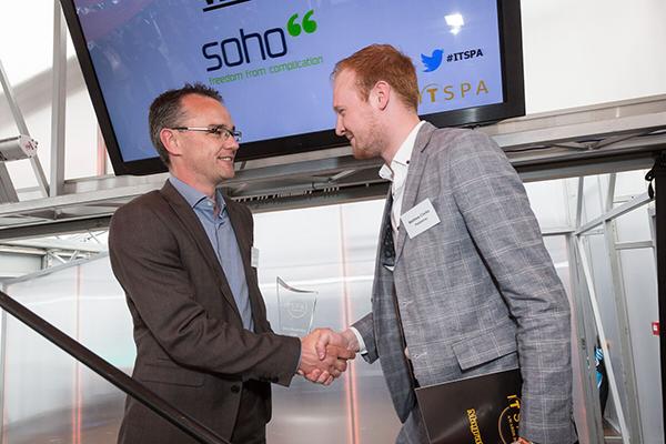 Mat collecting award at ITSPA 2016